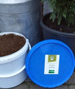 Gedroogde koemest emmer 7 liter, 3,5kg